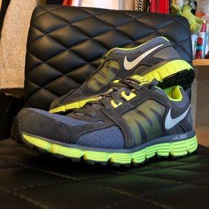Dual fusion ST2 Nike shoes